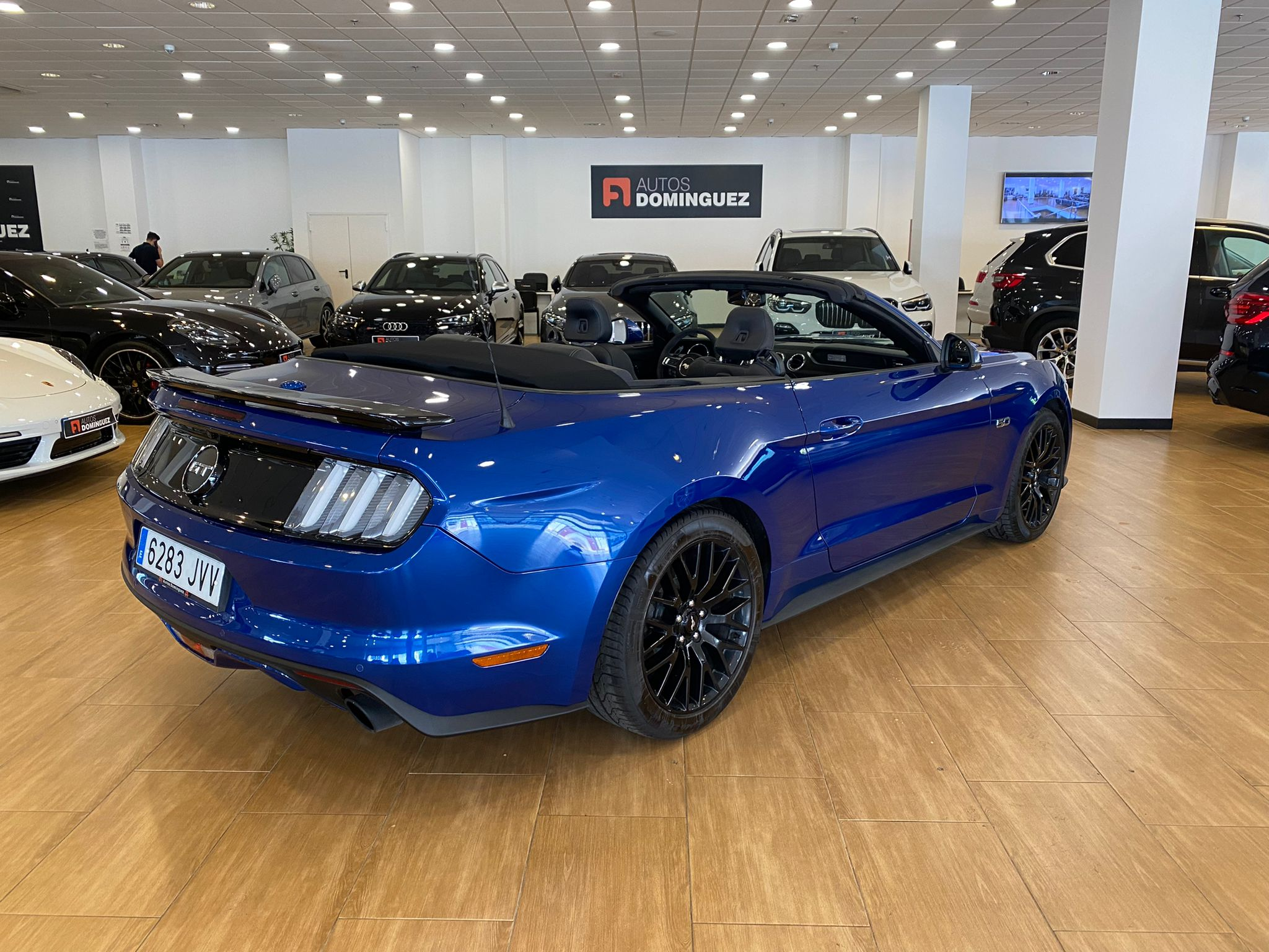 FORD Mustang 5.0 TiVCT V8 307kW Mustang GT Conv. 2p. 7